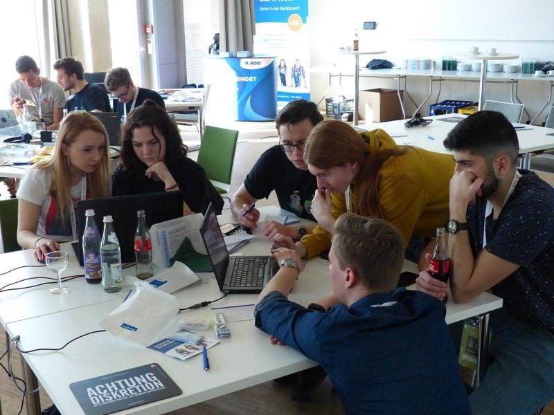 Regensburg: Hackaburg School mit FOS/BOS erfolgreich in der TechBase gestartet Hacken für die Schule