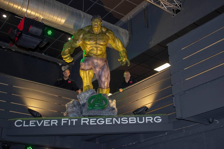 Clever Fit Regensburg: Das Fitnesstudio mit dem gewissen Wow-Effekt Fit wie Hulk und Spiderman