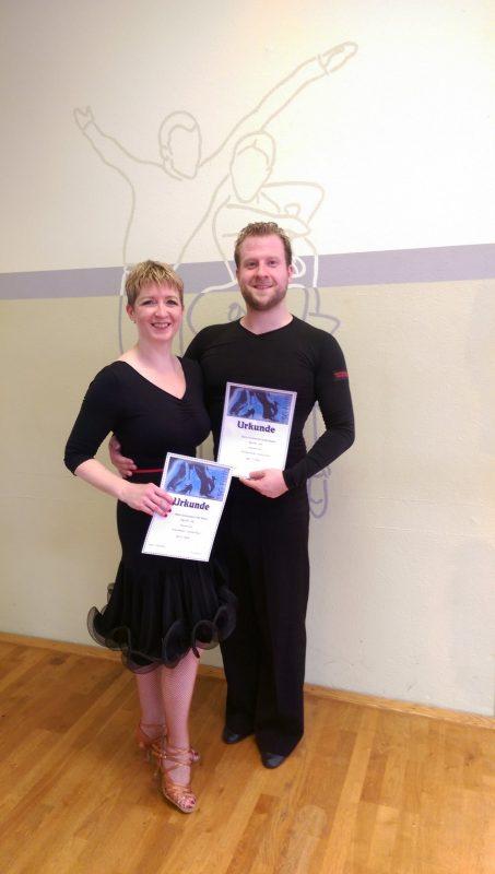 Andrea Rösler und Christian Plankl vom Tanzclub Blau-Gold Regensburg Neues Erfolgspaar zweimal auf dem 1. Platz