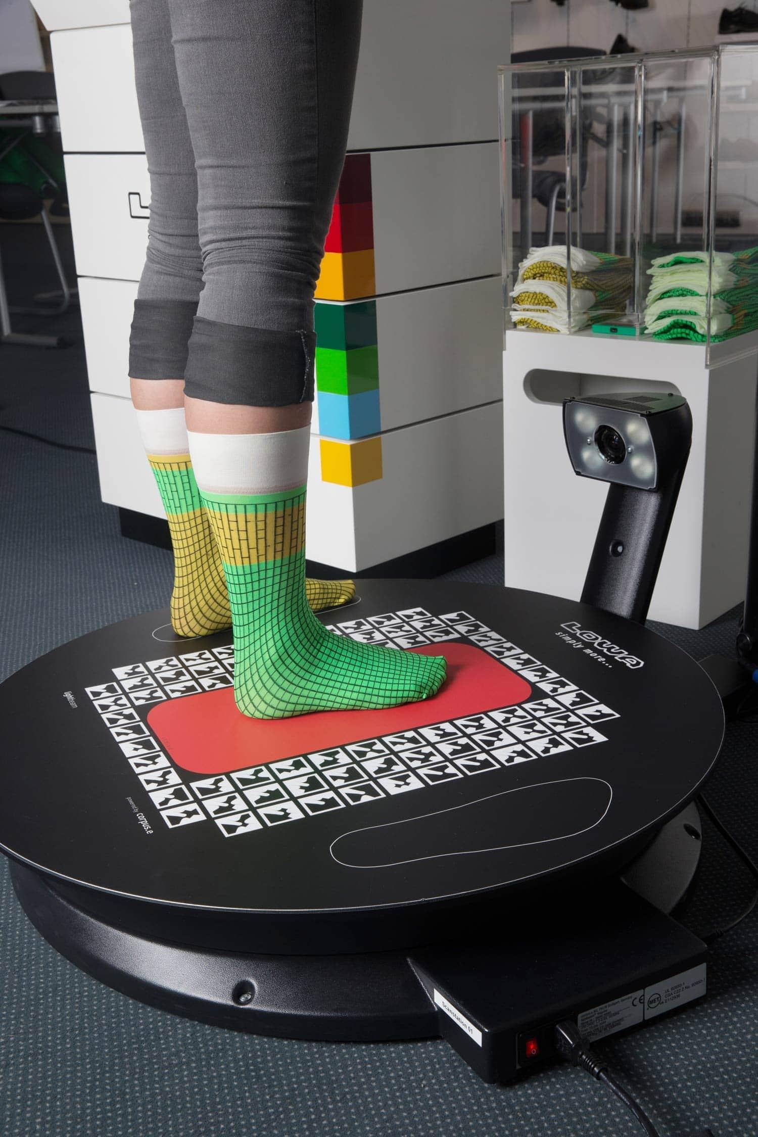 """Kostenlos Fußvermessung am 12. April im Schöffel-LOWA Store Regensburg in der Tändlergasse 20 Mit dem """"Footscan"""" den Fuß vermessen"""