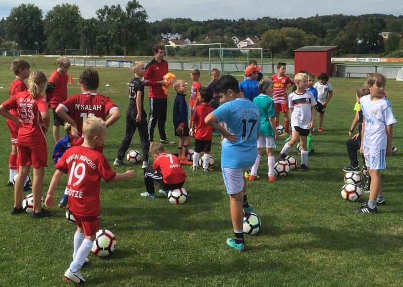 Blizz Leserreporter SV Sallern mit Fußballcamp in den Ferien