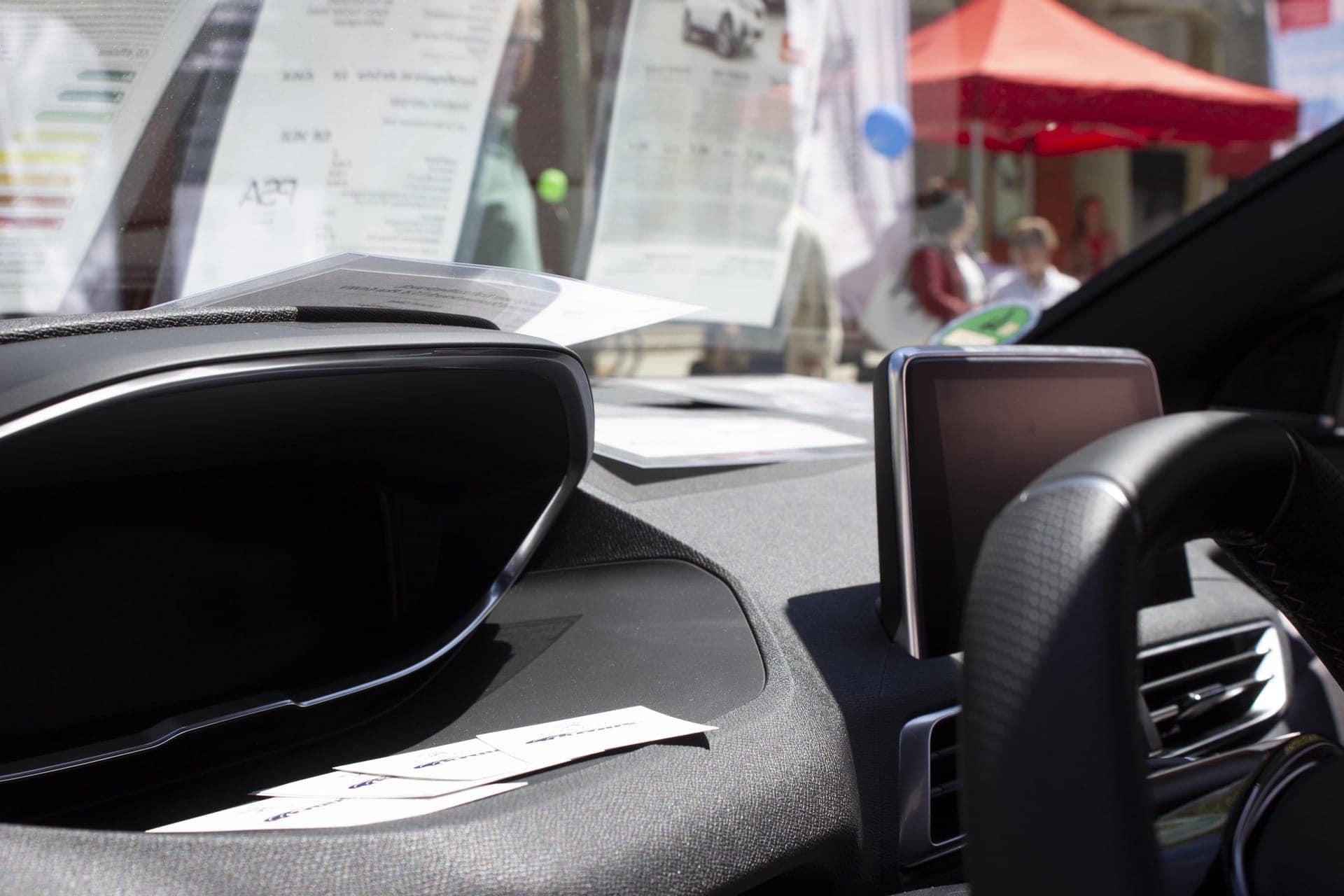 Regensburg mobil Teil 1 am 18. Mai in der Altstadt Sonniger Auftakt für die Regensburger Autohändler