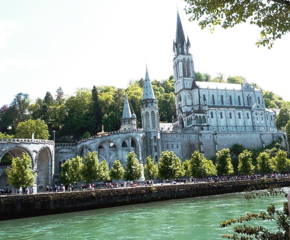Mit Söllner Reisen nach Lourdes und an die Côte d´Azur Busrundreise durch die schönsten Gebiete Frankreichs