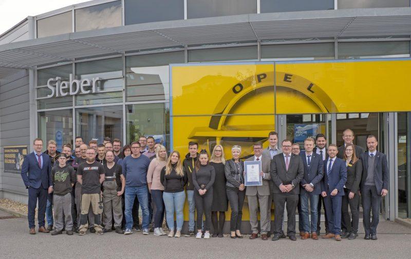 Große Auto-Bild-Kundenumfrage bestätigt: Der Regensburger Opel-Händler zählt zur Elite Deutschlands Sieber: Bester Autohändler 2019