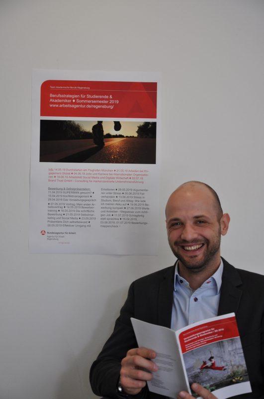 Neues Veranstaltungsprogramm an der Agentur für Arbeit Regensburg Jobperspektiven für Akademiker