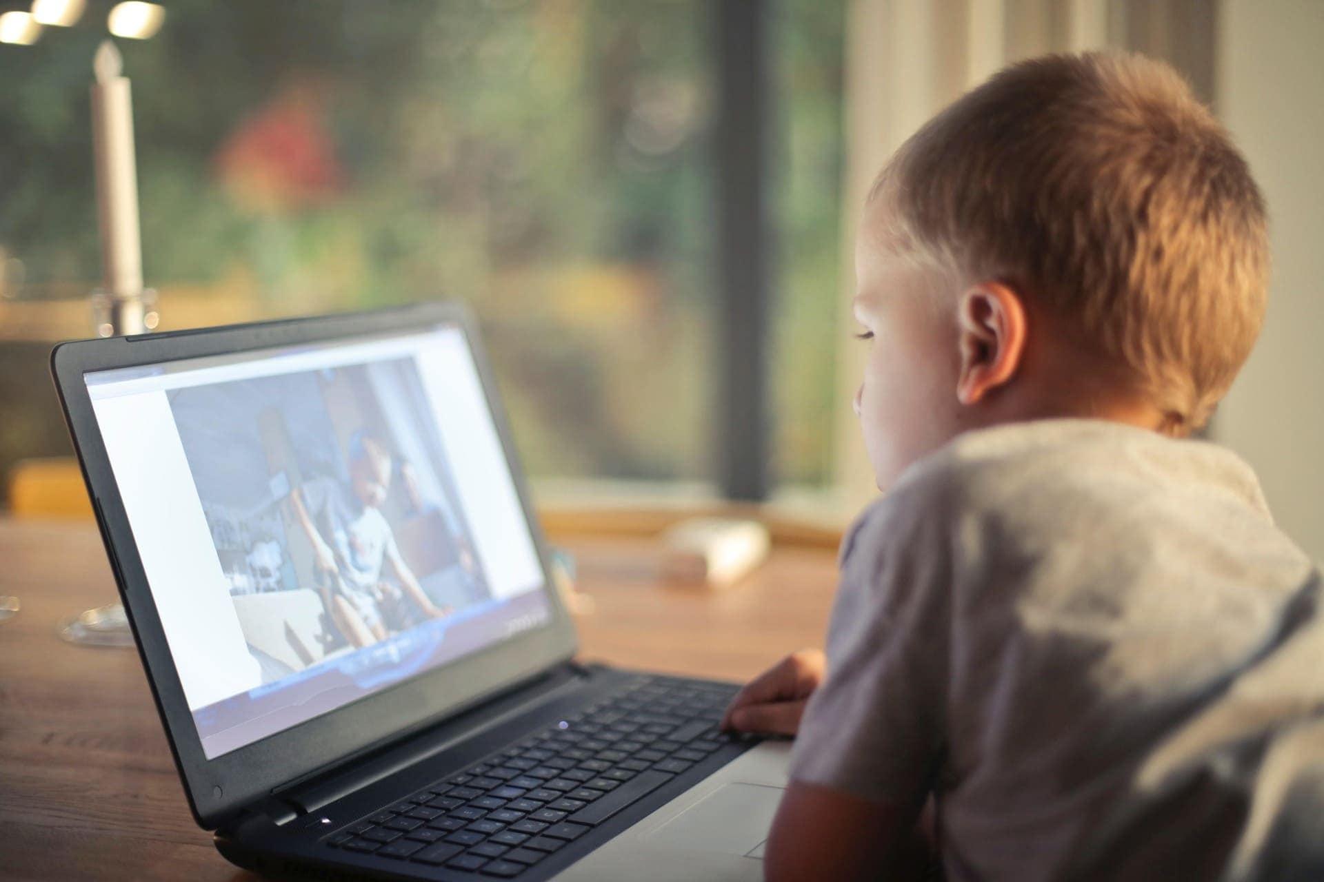 KIM-Studie 2018 zum Medienumgang 6- bis 13-Jähriger veröffentlicht Jedes dritte Kind nutzt täglich WhatsApp