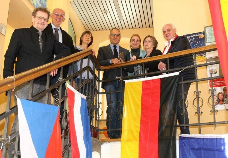 Europa-Abgeordneter Ertug bei den Privaten Schulen Breitschaft Rede zum Europa-Tag