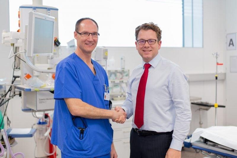 """Dr. Andreas Hüfner wird Chefarzt der Zentralen Notaufnahme im Caritas-Krankenhaus St. Josef in Regensburg """"Am liebsten bin ich mitten im Geschehen"""""""