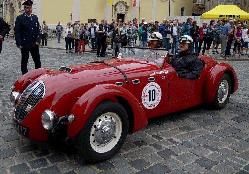 16. Regensburger Classic Rallye trumpft mit bis zu 150 Prachtexemplaren auf Spektakel für Oldtimer-Fans