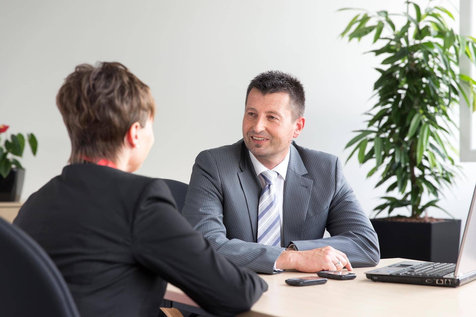 Angebot der Agentur für Arbeit in Regensburg Welche Unterstützung gibt es für Ihre Weiterbildung? Beratungsservice im Berufsinformationszentrum