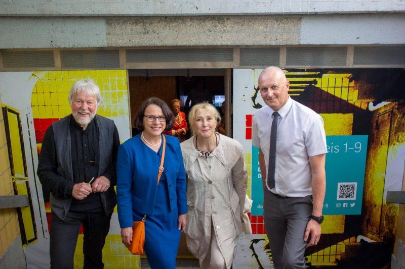 donumenta e.V. macht Regensburger Hauptbahnhof zum Ort der Kunst und Begegnung Kunst im Tunnel: ART LAB Gleis 1–9 eröffnet