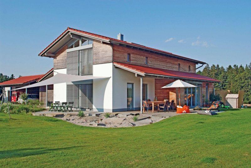 HausModernisierern beraten rund um 1A-Massivholzhäuser Individuelle Brunthaler Baumhäuser gibt es in Teugn