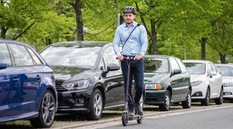 HUK Coburg: Wer seinen E-Scooter im Straßenverkehr nutzen will, braucht eine Versicherung Schon ab 19 Euro pro Jahr versichern