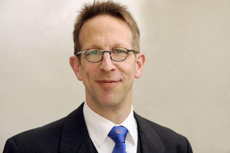 """Prof. Dr. Felix Schlachetzki referiert an der medbo in Regensburg zum Thema Schlaganfall """"Schlaganfall - Wirklich aus heiterem Himmel?"""""""