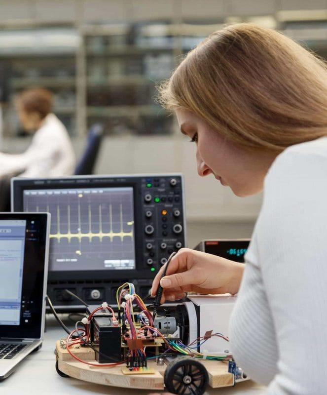 """Ab Oktober an der OTH Regensburg Neuer Bachelor """"Intelligent Systems Engineering"""" - am 15. Juli ist Bewerbungsschluss"""