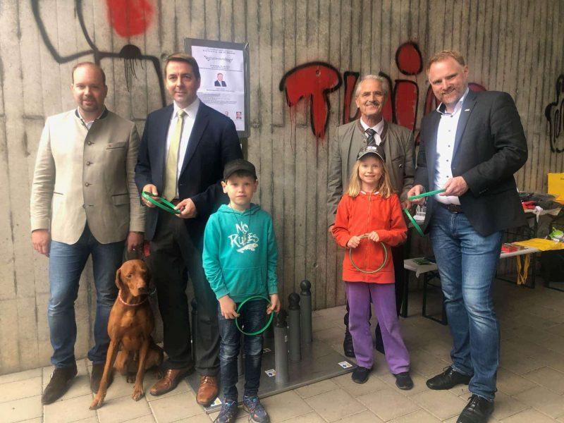 Brückenfest in Weichs mit Hans Renter Trotz schlechtem Wetter: Weichser und Reinhausener Bürger feierten Brückenfest