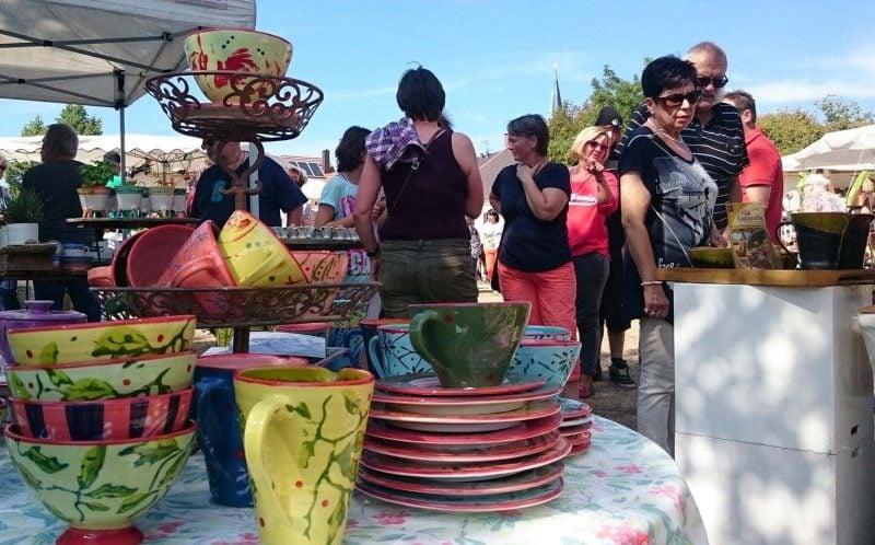 Am 17. und 18. August lockt der beliebte Töpfermarkt auf den Adlersberg Keramik und vieles mehr