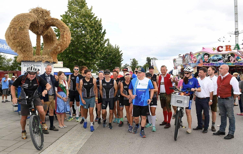 Laufen für den Guten Zweck Benefizlauf vom Gäubodenvolksfest zur Dultbierprobe in Regensburg