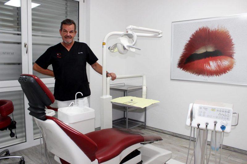Bei diesem Zahnarzt geht es ohne Angst In die Praxis von Dr. Rott in Wenzenbach kommen die Patienten gerne