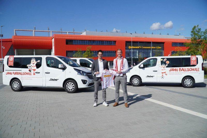 SSV Jahn Regensburg: Sieber Automobile GmbH & Co. KG wird neuer Klassik Partner Neue Kleinbusse für die Jahn-Jugend