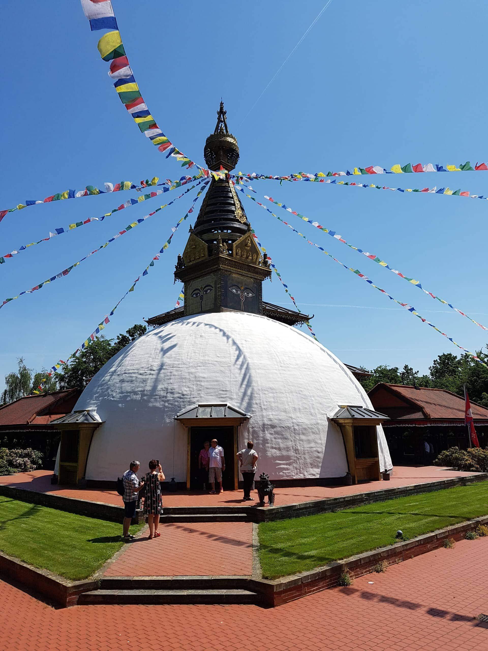 Blizz Leserreporter Ausflugstipp Nr. 2 - Der Nepal-Himalaya-Tempel in der Nähe von Wiesent