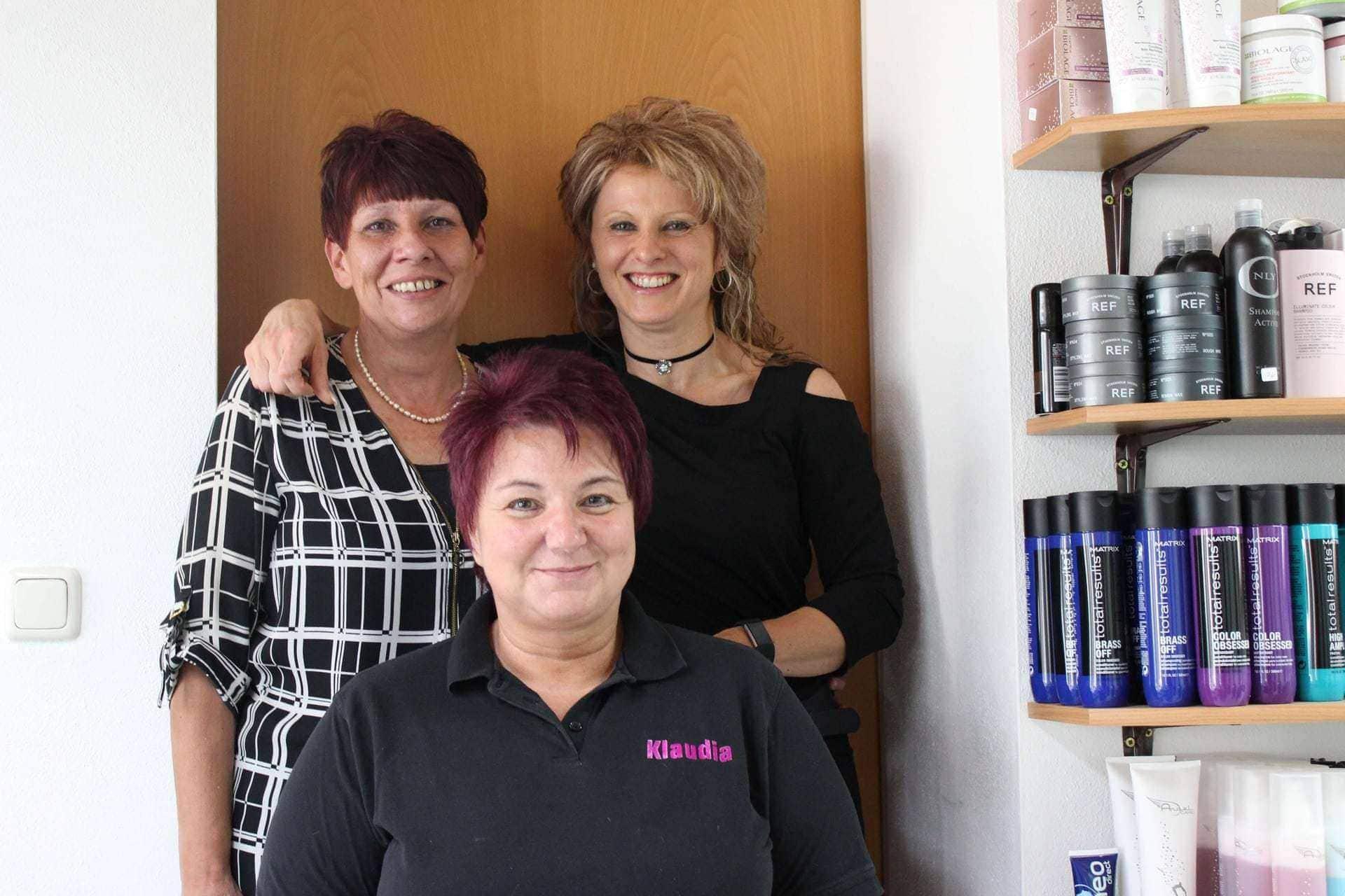 """Top-Qualität im Friseursalon """"Aufgedreht"""" in Regensburg-Schwabelweis Seit über 30 Jahren für den Kunden da"""