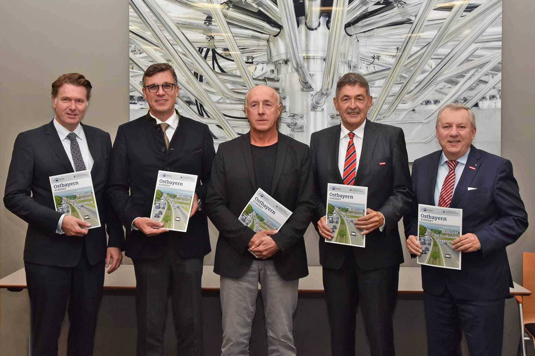 Umfrage von IHK und Handwerkskammer bei 1.000 Betrieben zeigt Handlungsbedarf im Großraum Regensburg Damit der Verkehr wieder fließt