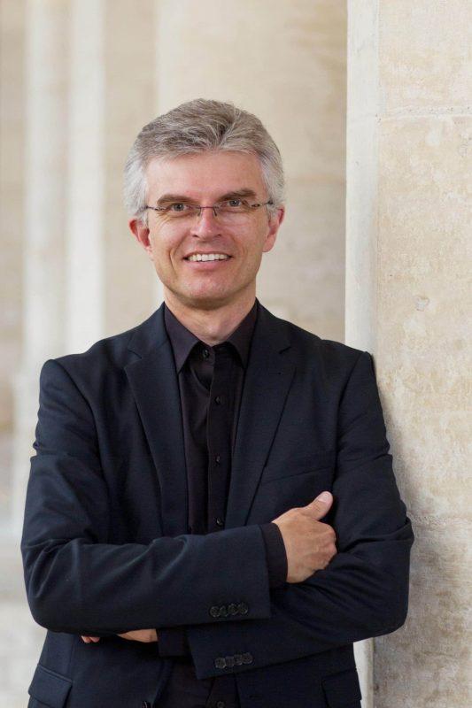 Auch in Zukunft keine Mädchen bei den Regensburger Domspatzen Neuer Domkapellmeister Christian Heiß
