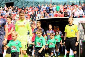 Am Samstag um 13 Uhr empfängt der SSV Jahn Regensburg den Traditionsclub VfB Stuttgart.