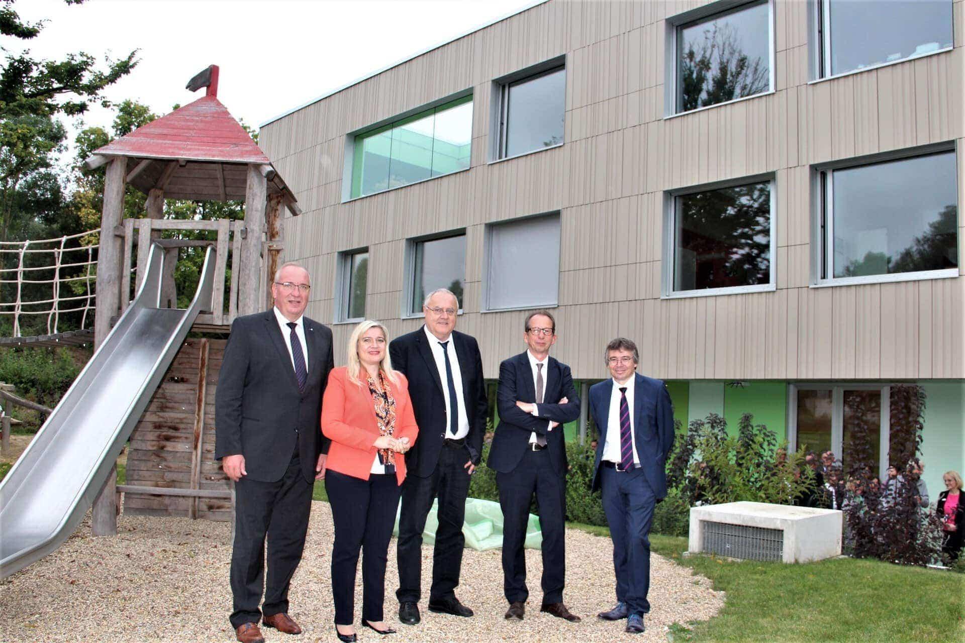 Neue Klinik für Kinder- und Jugendpsychiatrie in Regensburg eröffnet Eine zeitgemäße Behandlung