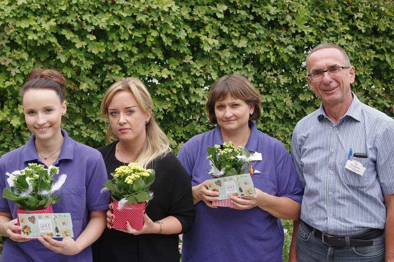 Mitarbeiterinnen vom Wohn- & Pflegezentrum Rosengarten Regensburg feiern Jubiläum Seit vielen Jahren im Dienst der Pflege