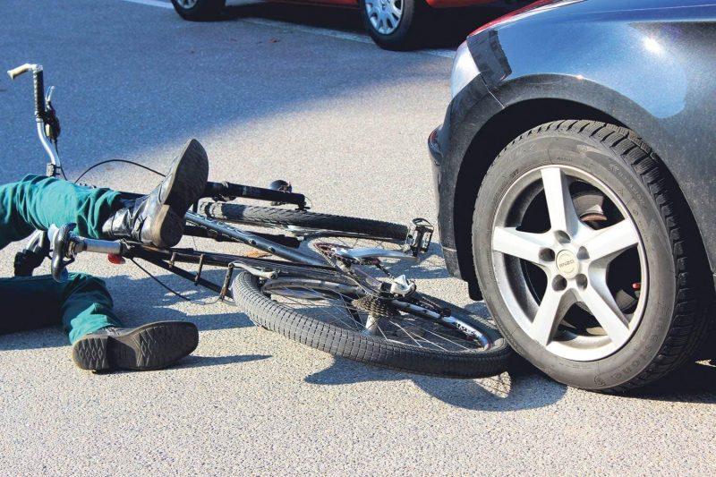 Regensburg: Radfahrer überrollt und schwer verletzt 69-Jähriger wird von 76-Jährigen überfahren