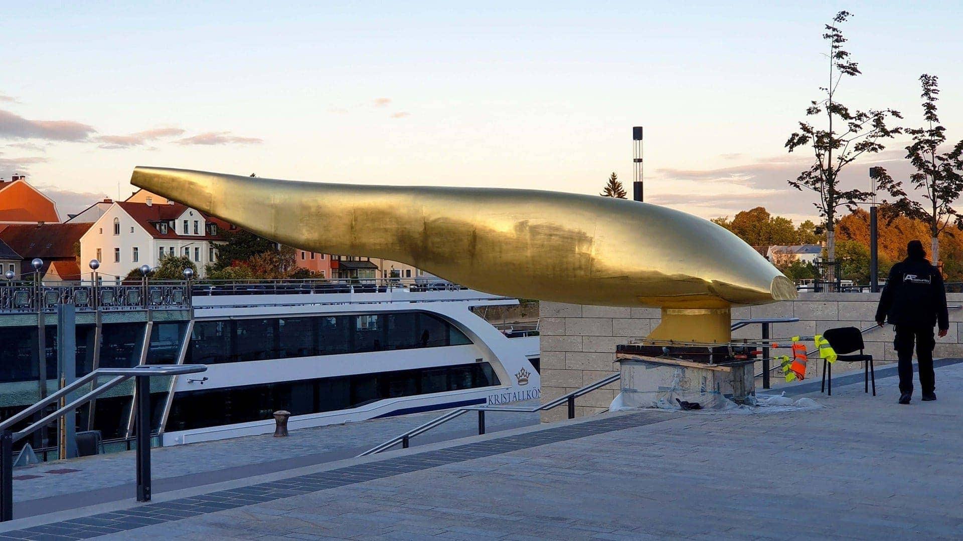 Der Goldener Waller in Regensburg Abschluss der Baumaßnahmen am Donaumarkt