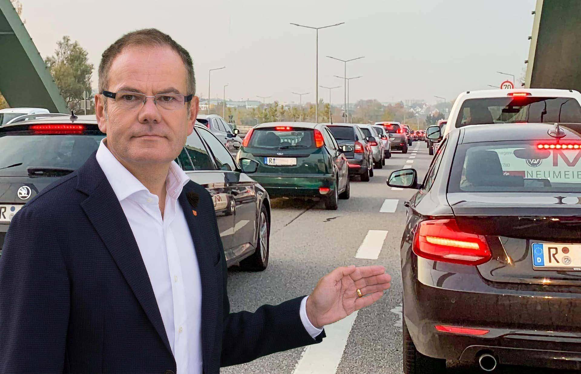 In und um Regensburg lahmt der Verkehr OB-Kandidat Christian Janele (CSB) fordert die Mobilitätswende - jetzt