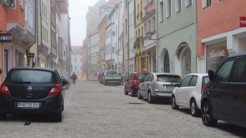 """""""Diskriminierung der Altstadt"""" Frage nach Verkehr im Stadtzentrum spaltet die Kaufleute in Regensburg"""