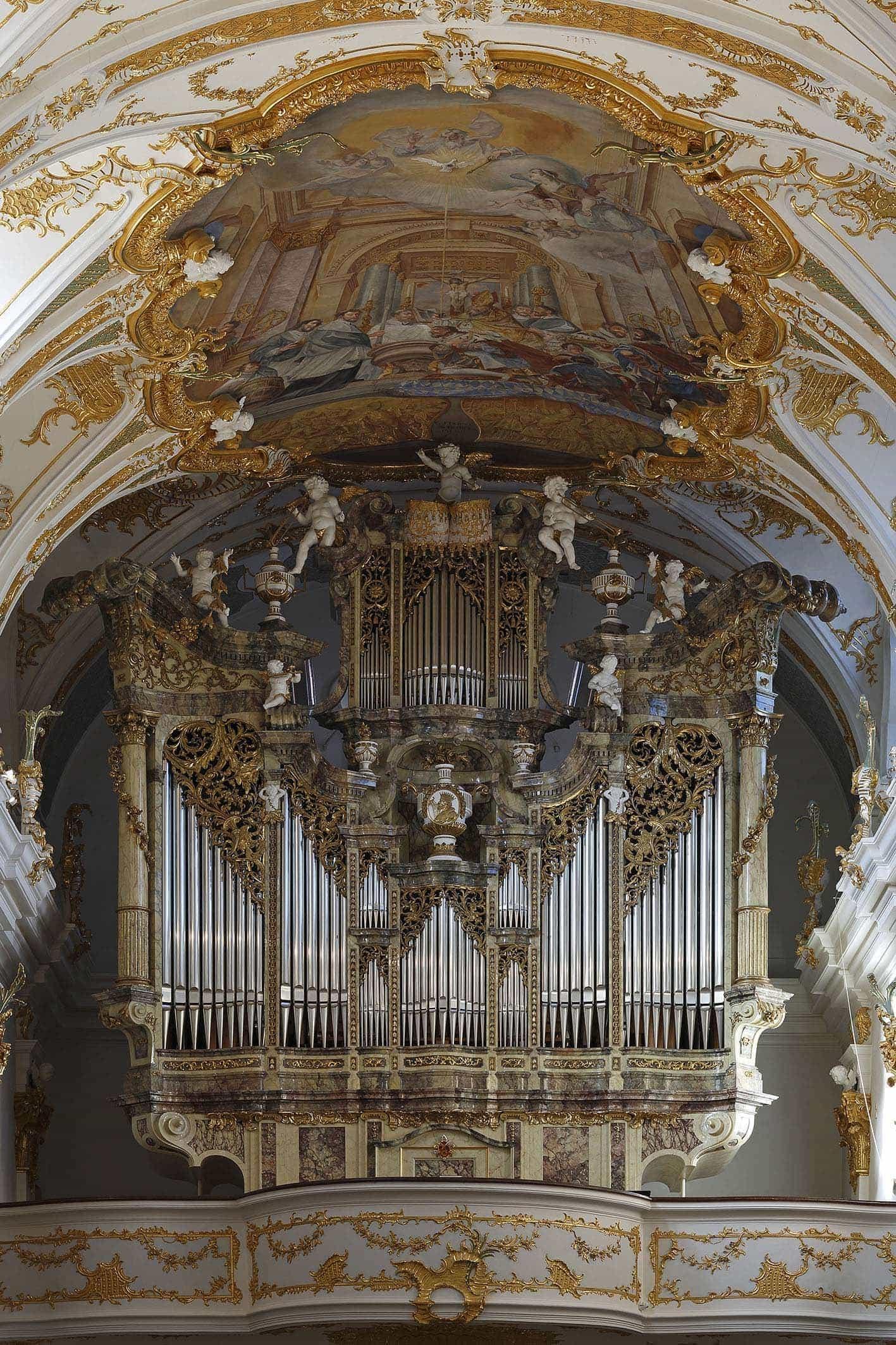 """Regensburg: Alte Kapelle erinnert an den Papst-Besuch  """"Die Singphoniker"""" und Stiftskapellmeister Wolfgang Hörlin spielen Vokal- und Orgelmusik"""