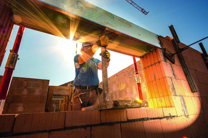 Gute Geschäftslage im ostbayerischen Handwerk Konjunkturbericht der Handwerkskammer
