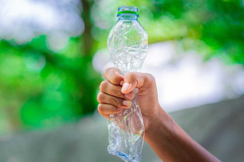 Mehrweg statt Einweg: Gewerkschaft stellt riesiges Einsparpotenzial für Regensburg fest Besser leben ohne Plastik: Tipps gegen Müll