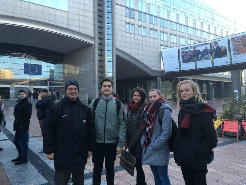 Tag der Jugend in Europa Sportjugend in Brüssel aktiv dabei Tag der Jugend in Europa. Sportjugend in Brüssel aktiv dabei