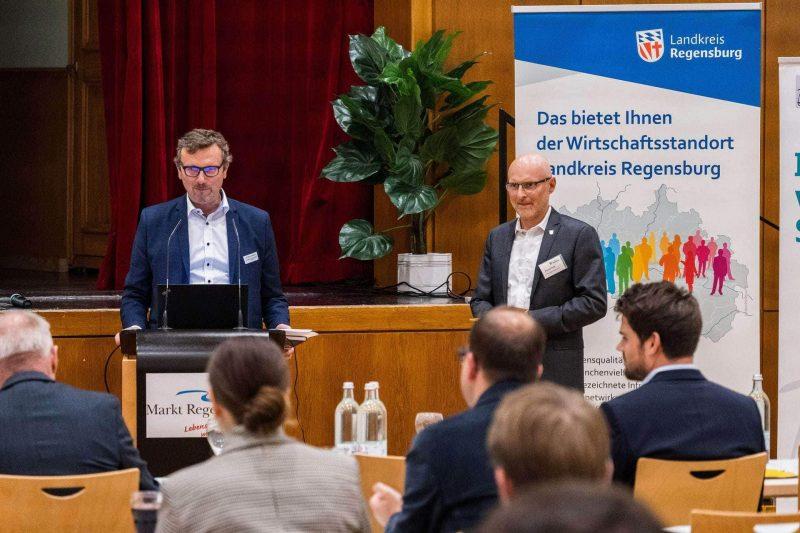 """Landkreis Regensburg: Mittelstands-Forum Gemeinsam Digital ein Erfolg """"Digitalisierung von kleinen und mittelständischen Unternehmen"""""""