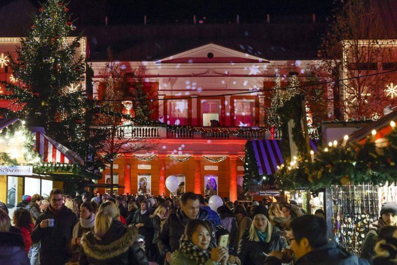 Corona-Pandemie: Stadt sagt Christkindlmarkt ab Regensburg schmückt sich trotzdem für die Adventszeit