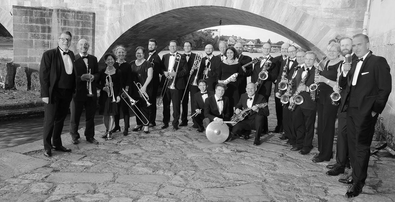 """Swing an you're winning"" am 23. November im marinaforum Regensburg Danube Big Band spielt Frank Sinatra"