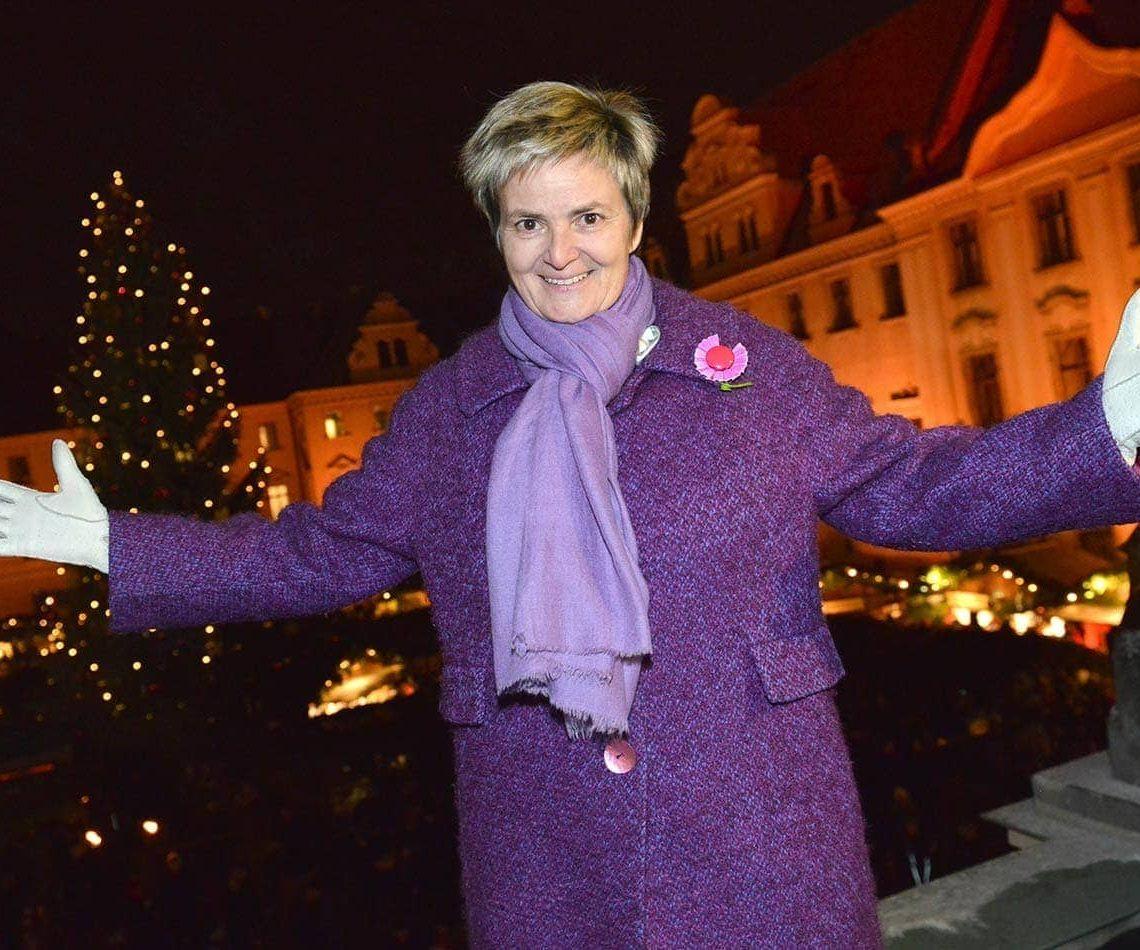 """Fürstin Gloria von Thurn und Taxis lädt auf den """"Romantischen Weihnachtsmarkt"""" Einer der schönsten Weihnachtsmärkte der Welt"""