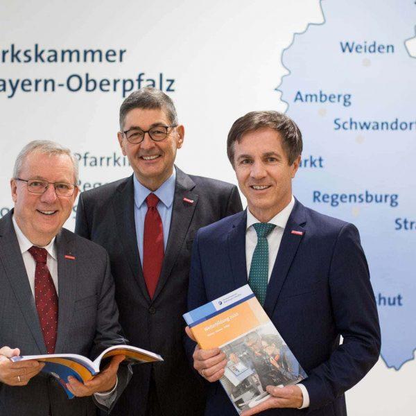 Handwerkskammer Niederbayern-Oberpfalz stellt Kursprogramm 2020 vor Weiterbildungsangebot für Fachkräfte, Führungskräfte und Unternehmer