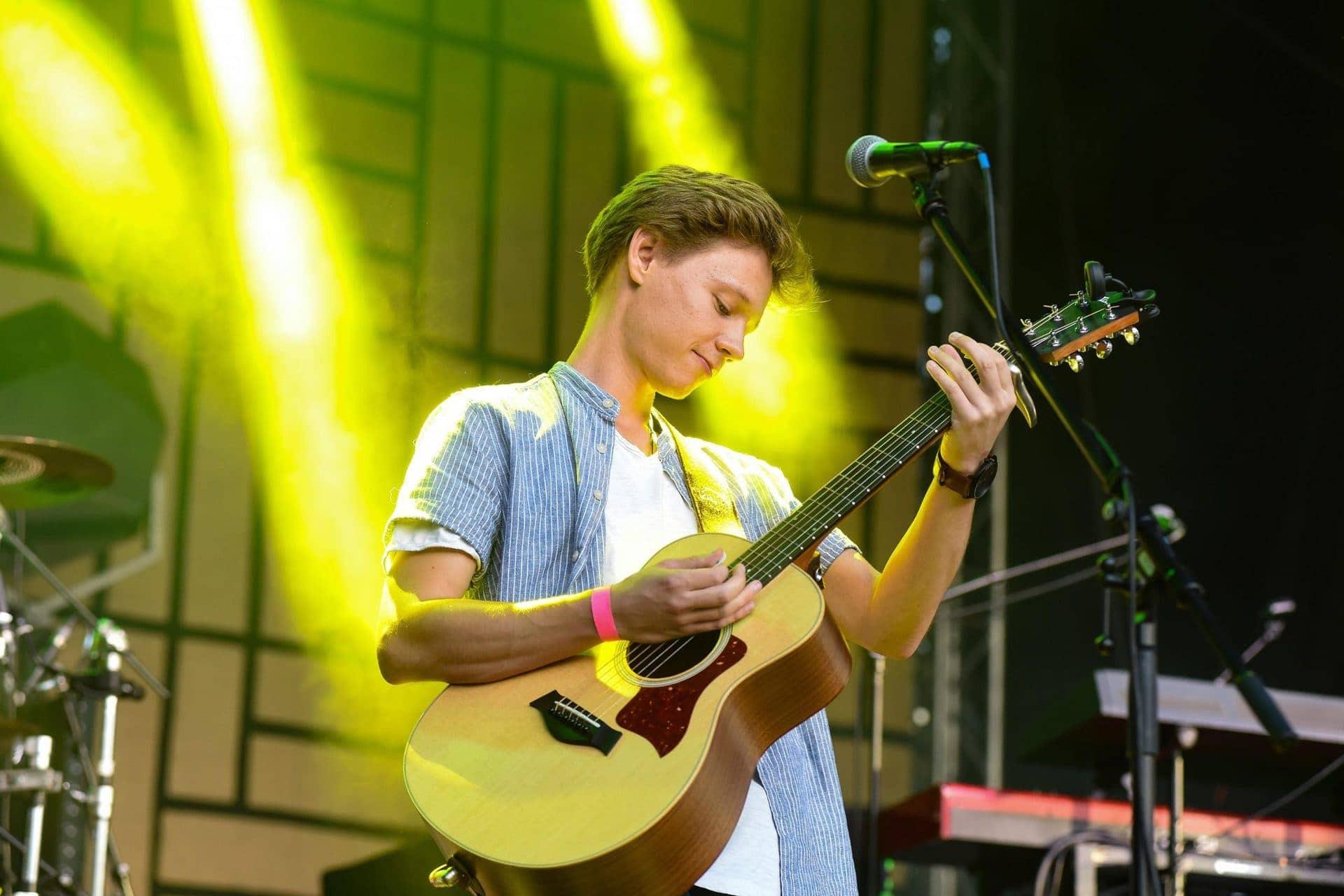 Michael Lex spielt in der Auburg Lokalmatador gibt vier Konzerte