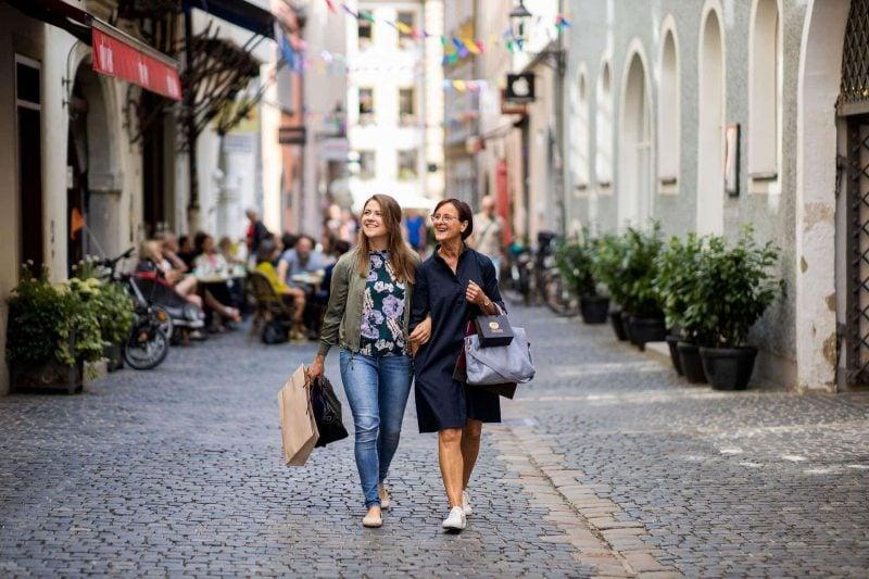 Start ins Weihnachtsgeschäft Regensburger Einzelhändler öffnen an diesem Sonntag ihre Geschäfte