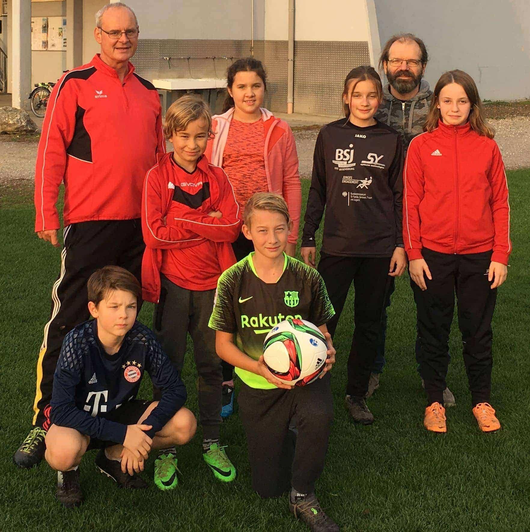 DFB-Doppelpass 2020  Jugend des SV Sallern arbeitet mit fünf Schulen zusammen