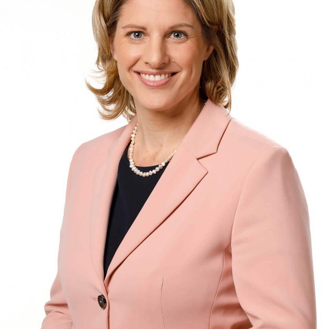 """Dr. Astrid Freudenstein (MdB) ist Oberbürgermeister-Kandidatin für die CSU in Regensburg """"Ich will den Stillstand beenden"""""""