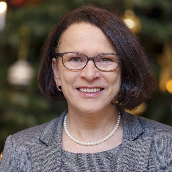 Neujahrsgruß von Gertrud Maltz-Schwarzfischer, Bürgermeisterin der Stadt Regensburg, im Blizz Regensburg Liebe Leserinnen und Leser