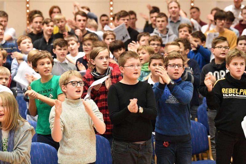 2. Regensburger Weihnachtssingen am 21. Dezember in der Armin-Wolf-Arena Gemeinsames Einstimmen für das große Event